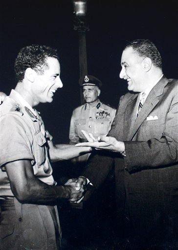 Moammar Gadhafi, Gamal Abdel Nasser